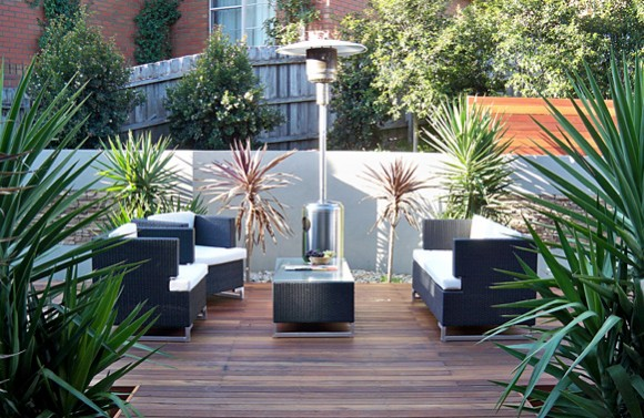 Decorating the Outdoors with Brilliant Courtyard Designs17