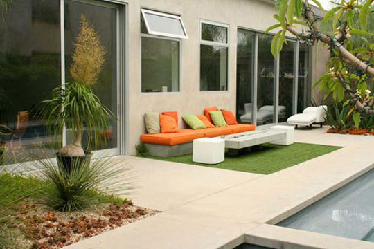 Decorating the Outdoors with Brilliant Courtyard Designs2