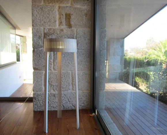 Adorn your Home with the Warmth of a Floor Lamp15