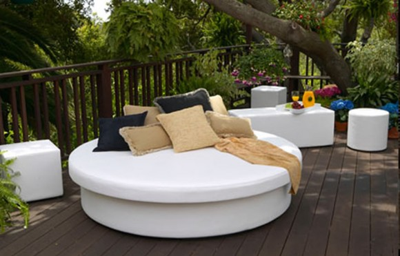 7 Refreshingly Modern Patio Furniture Designs11