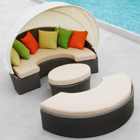 Create your Personal Space with an Outdoor Daybed11