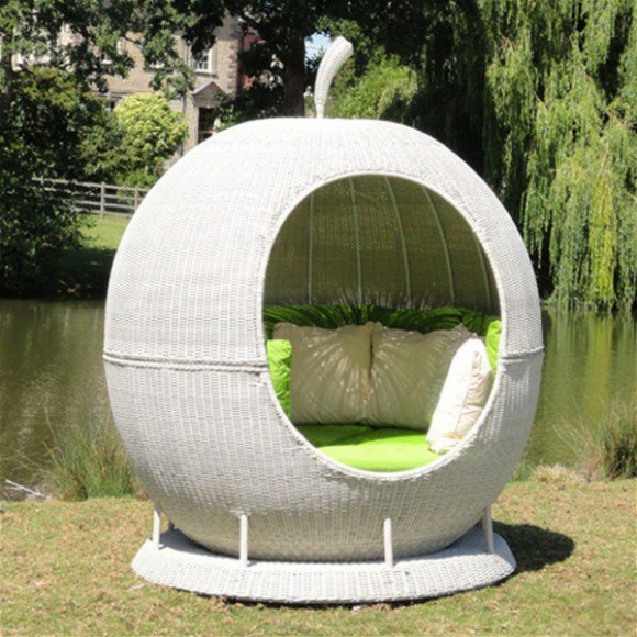 Create your Personal Space with an Outdoor Daybed13