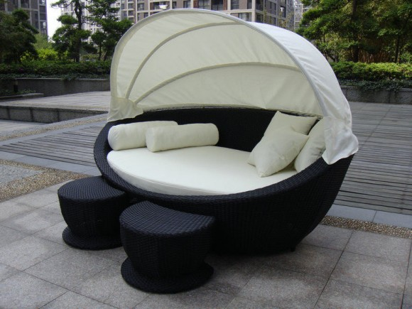 Create your Personal Space with an Outdoor Daybed16
