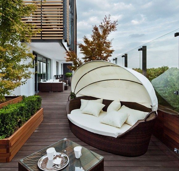 Create your Personal Space with an Outdoor Daybed20