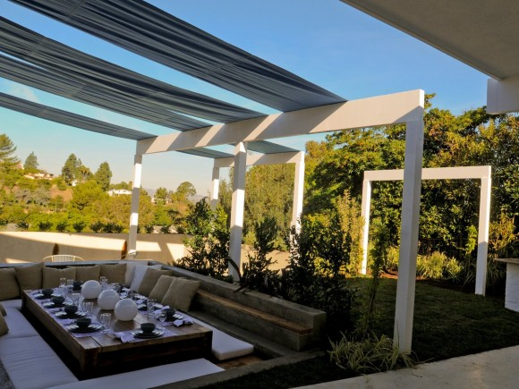 Explore the Joys of Dining Outdoors12