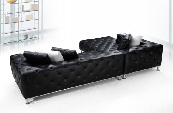 7 Chic Tufted Sofa Designs to Accentuate Home Interiors12