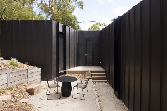 7 Modern Fence Designs for your Modern Home10