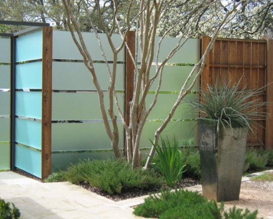 7 Modern Fence Designs for your Modern Home Irooniecom