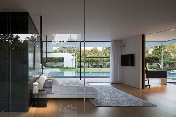 Invite the Mystical Ambience of Glass Walls in your Bedroom13