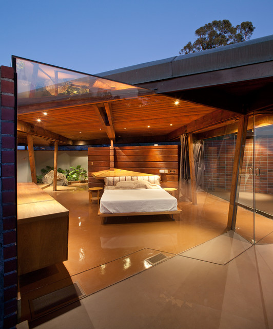 Invite the Mystical Ambience of Glass Walls in your Bedroom19