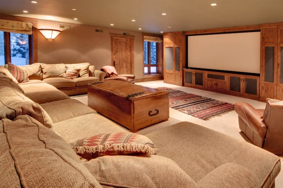 Discover Impeccable Luxury with Modern Home Theater Ideas10