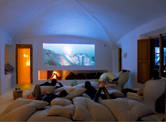 Discover Impeccable Luxury with Modern Home Theater Ideas16