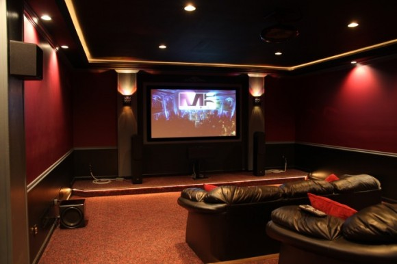 Discover Impeccable Luxury with Modern Home Theater Ideas3
