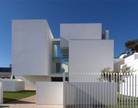 House-in-Paco-de-Arcos2