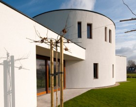 Architecture firm 123DV projected the villa capturing the character of Dalí, Jugendstil forms, spanish facades and nautical life.