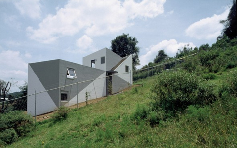 House-on-a-Slope2