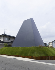 black-pyramid-house6-2