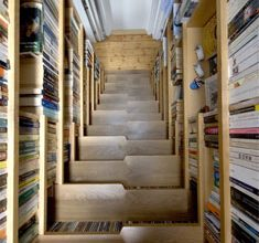 amazing-book-staircase1